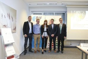 V.l.n.r.: René Wöstmann (RIF), Josef Kimberger (Bitburger Braugruppe GmbH), Dr. Svenja Rebsch (RIF), Martin Schulwitz (ILS), Prof. Dr. Dieter Bathen, JRF