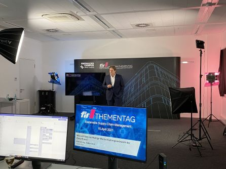 Bild 2: Keynote von Professor Stich zum Sustainable Supply-Chain-Management [© FIR e. V. an der RWTH Aachen]