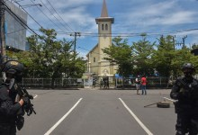 News24.com | SEE | Suspected suicide bomber at Indonesia church wounds several