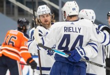 Maple Leafs winning with consistency despite injuries, distractions