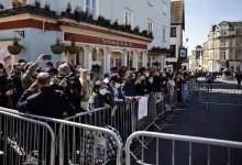 ब्रिटेन में प्रिंस फिलिप के रॉयल फ्यूनरल के दौरान विंडसर कैसल में टॉपलेस वुमन गिरफ्तार