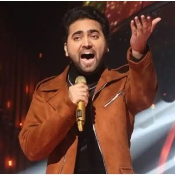 Trending Entertainment News Today – Mohd Danish feels these singers deserve to be in Top 3 of Indian Idol 12; Kareena Kapoor Khan's book 'Pregnancy Bible' lands in trouble