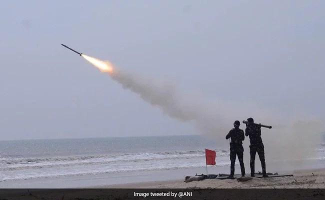 भारत ने आकाश मिसाइल के नये संस्करण का सफल परीक्षण किया
