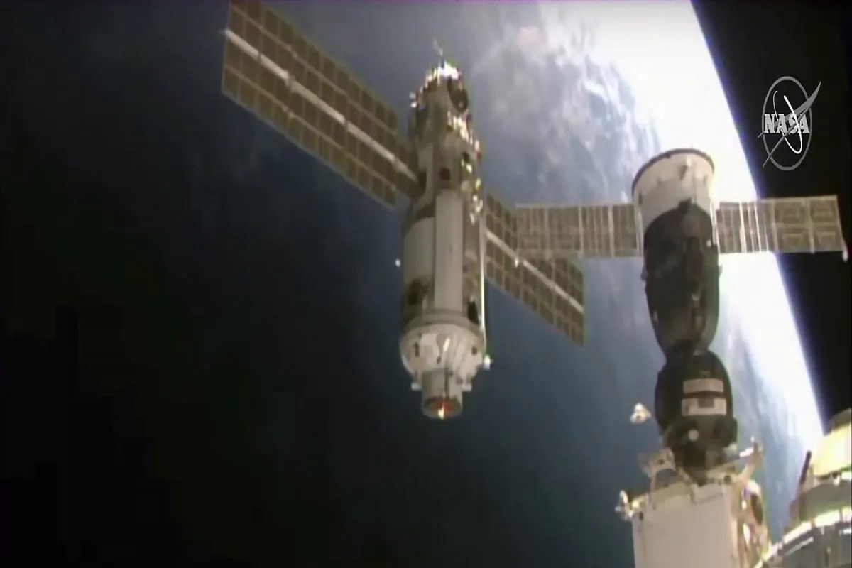 रूसी मॉड्यूल की मिसफायर से अंतरराष्ट्रीय अंतरिक्ष स्टेशन को नियंत्रण से बाहर किया गया