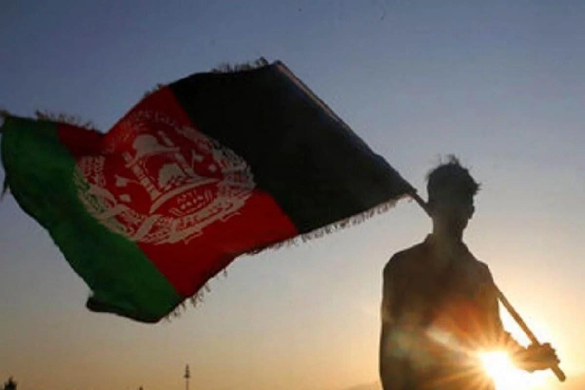 तालिबान ने अफ़ग़ानिस्तान पर क़ब्ज़ा कर लिया लेकिन नकदी के दबाव का सामना करना पड़ा