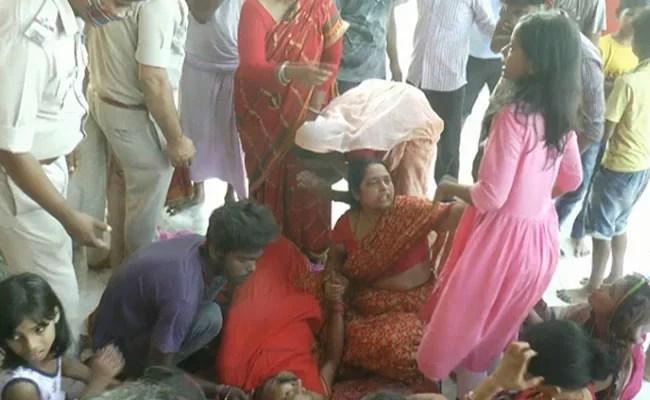 बिहार: 4 अपराधियों ने तड़के दरभंगा के प्रसिद्ध मंदिर के मुख्य पुजारी पर दागीं ताबड़तोड़ गोलियां, 2 की मौत