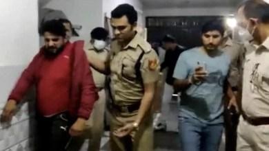 'करवाचौथ का व्रत है, पति को मारना नहीं, सरेंडर करना है' : ताई और बहन को गोली मारने वाले की बीवी ने कहा