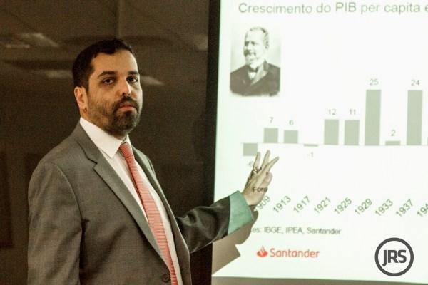 """""""Mais um ano de espera"""", avalia economista do Banco Santander"""