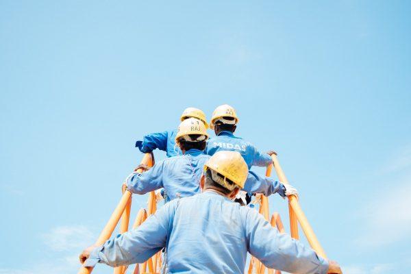 Confiança da indústria recua em setembro, aponta CNI