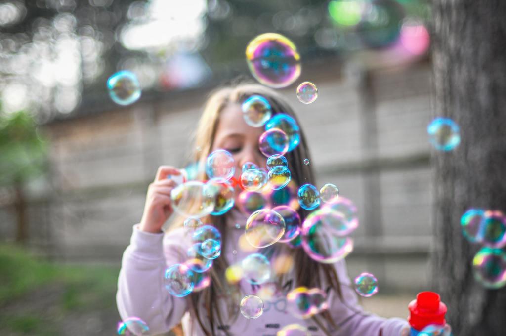 Atividade do comércio tem alta de 2,3% no Dia das Crianças, aponta Serasa Experian / Foto: Giu Vicente / Unsplash Images