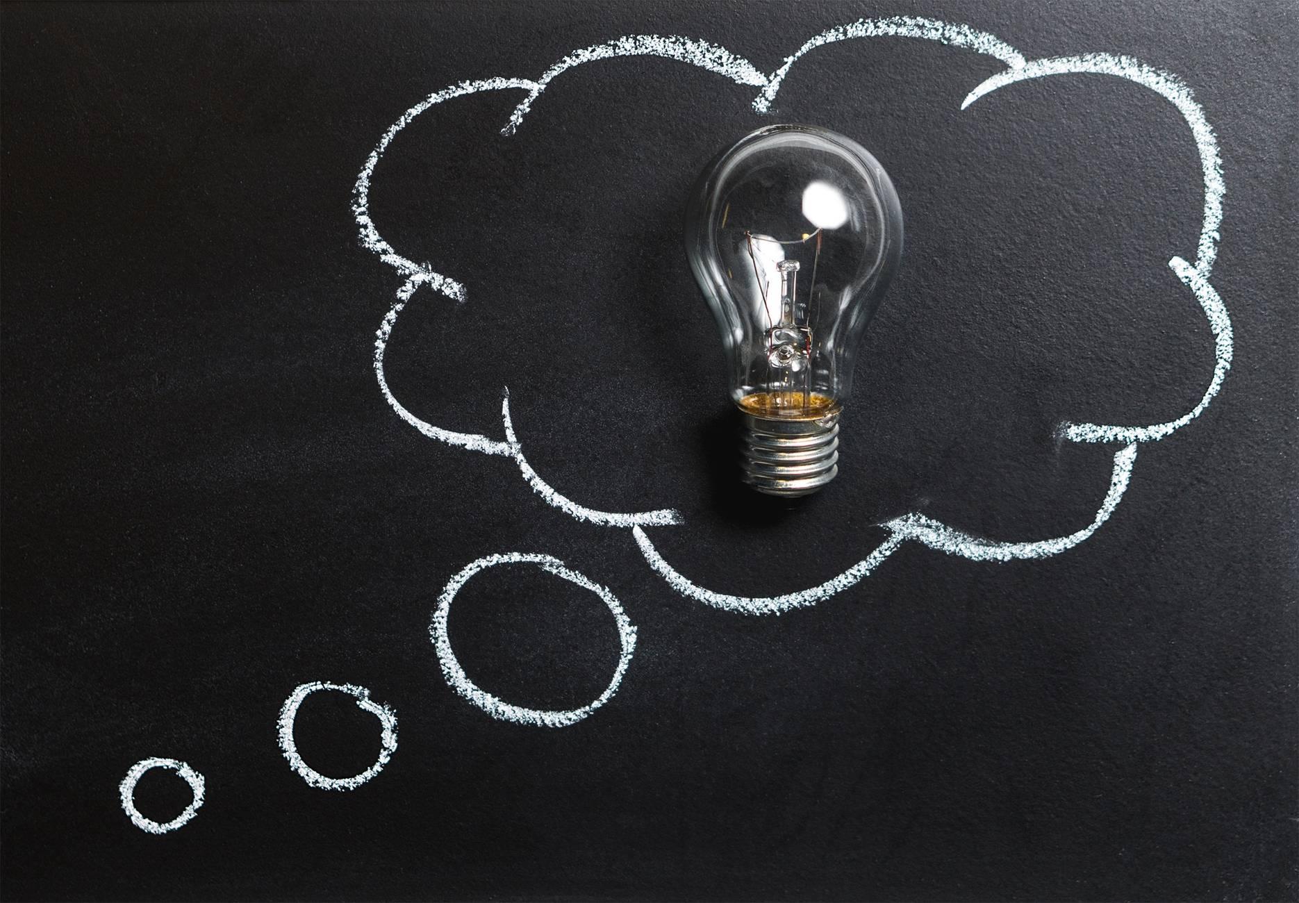 ghostwriting ghostwriter writing writer blog post AI medtech analysis blackboard board bubble
