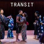 シアターイリデッセンスがバイリンガルのオリジナルミュージカル「トランジット」を上演