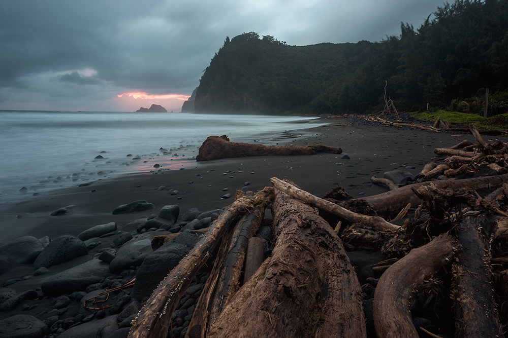 Pololu Black Sand Beach