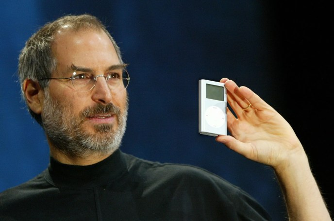 Steve Jobs and Apple taking a risk with the iPod Mini