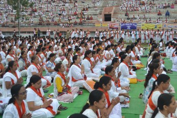21st June JS Yog International Yoga Day Yashwant Stadium, Nagpur CM Devendra Fadnavis Union Minister Nitin Gadkari_136