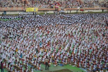 21st June JS Yog International Yoga Day Yashwant Stadium, Nagpur CM Devendra Fadnavis Union Minister Nitin Gadkari_16