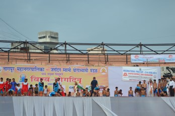 21st June JS Yog International Yoga Day Yashwant Stadium, Nagpur CM Devendra Fadnavis Union Minister Nitin Gadkari_54