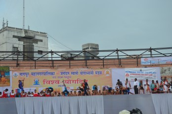 21st June JS Yog International Yoga Day Yashwant Stadium, Nagpur CM Devendra Fadnavis Union Minister Nitin Gadkari_64