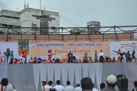 21st June JS Yog International Yoga Day Yashwant Stadium, Nagpur CM Devendra Fadnavis Union Minister Nitin Gadkari_68