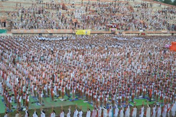 21st June JS Yog International Yoga Day Yashwant Stadium, Nagpur CM Devendra Fadnavis Union Minister Nitin Gadkari_7