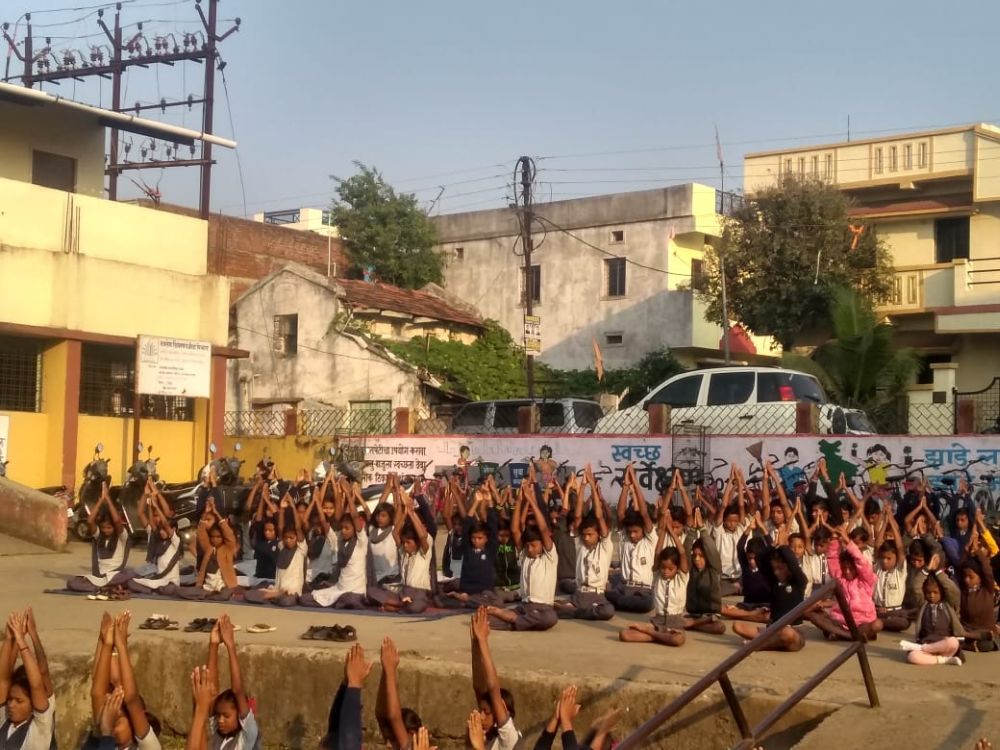 M.N.P-Jaitala-High-School-23-11-19-Inter-School-Yoga-Competition-training-2019