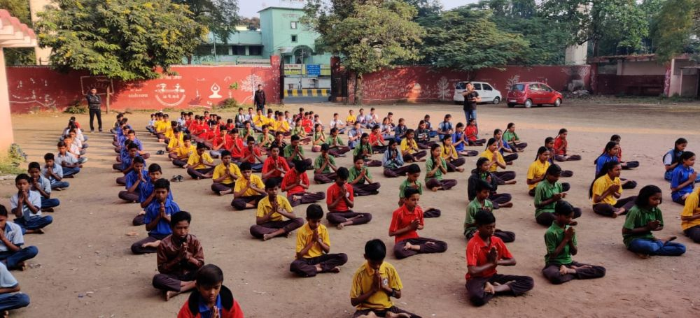 Madan-Gopal-High-School-16-11-19-Inter-School-yoga-competition-training-2019-1