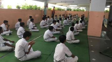 Tip-Top-Convent-Swawlambi-nagar-Inter-School-Yoga-Competition-training-2019