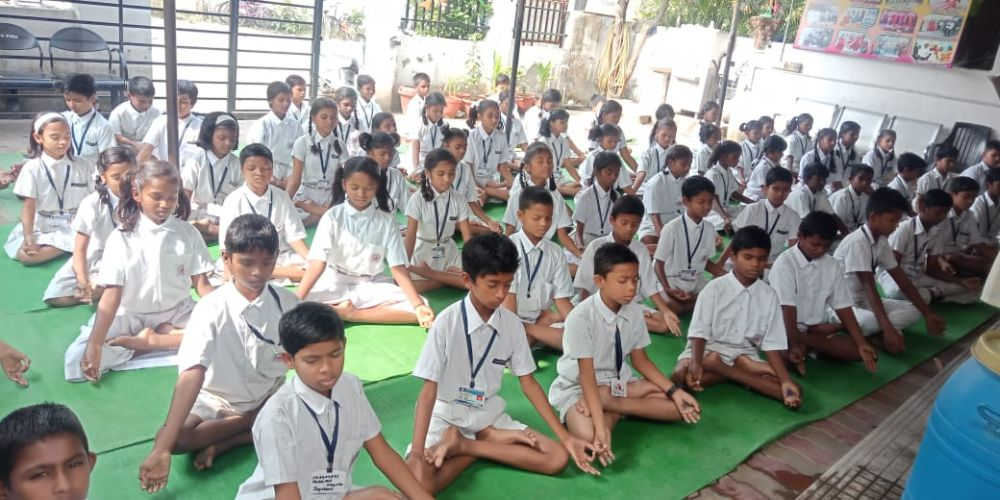 Hanskrupa-school-zingabai-takli-2-12-19-Interschool-yoga-competition-training-2019