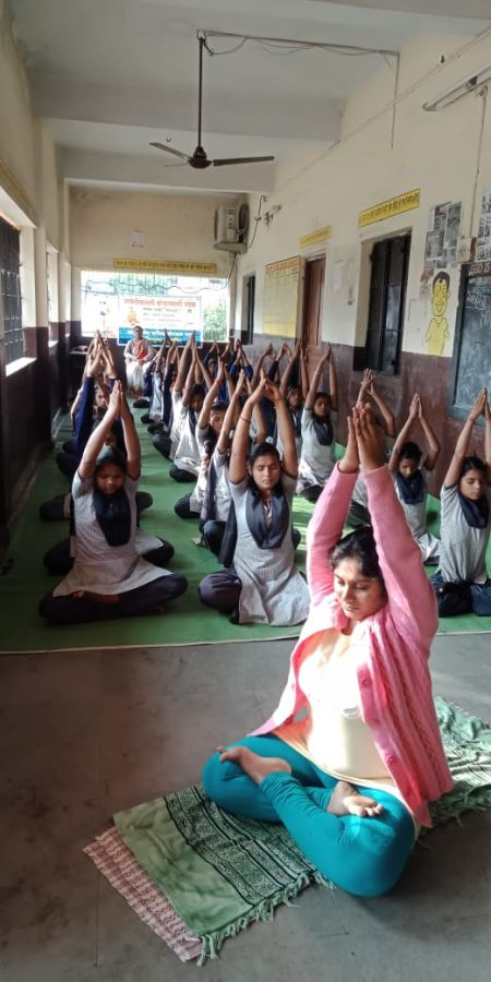 Makardhokda-school-2-12-19-Interschool-yoga-competition-training-2019