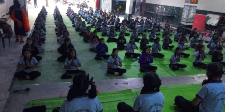 Dadibai-Deshmukh-Hindu-mulinchi-shala-10-1-20-Inter-school-yogasan-competition-training-2019-3
