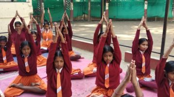 Hindu-Dhnanpith-laxminagar-13-1-20-Inter-school-yogasan-competition-training-2019-3