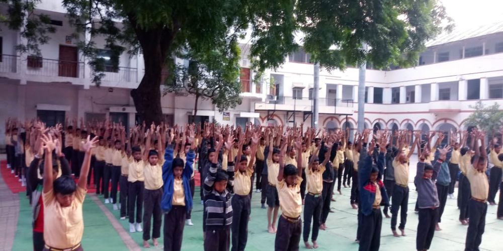 New-English-High-School-Mahal-9-1-20-Inter-school-yogasan-competition-training-2019-2