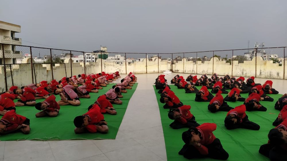 Swami-Avadeshanand-High-School-7-1-20-Inter-school-yogasan-competition-training-2019