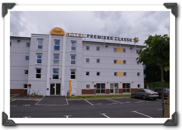 50 hotel bureau 12 chambres a07
