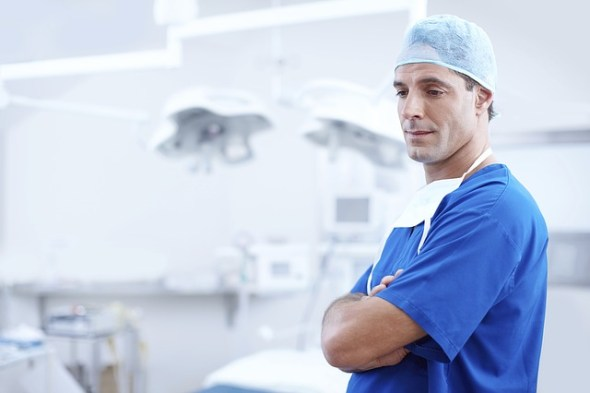 lekarz medycyna Ubezpieczenia dla branży medycznej