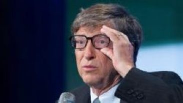 Bill Gates Talking to the media
