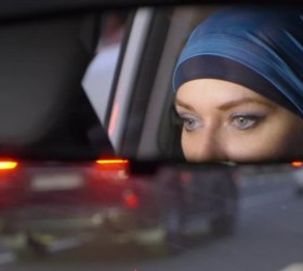 rabia in car with 909