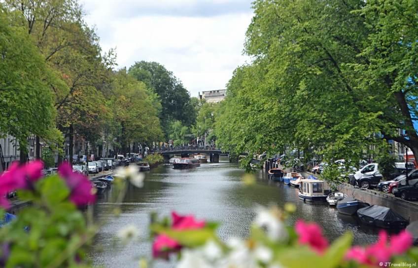 Wandelen tijdens de eerste etappe van het Westerborkpad in Amsterdam