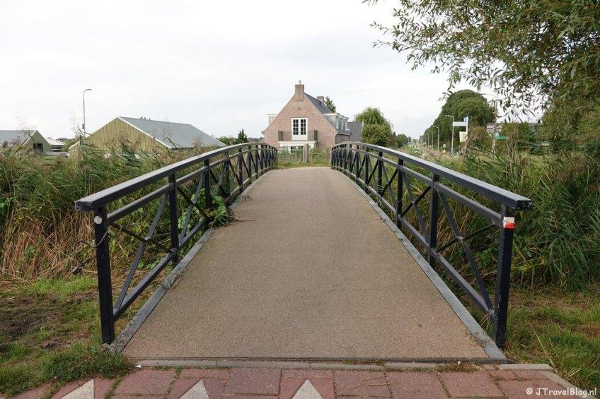 Een brug bij de Vuurlijn tijdens mijn wandeling van het Fortenpad van Wandelnetwerk Amstelland/Noord-Holland