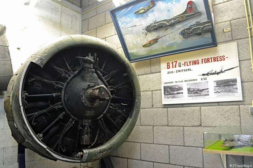 Een motor van een B-17 in de Spitfirehal in het CRASH Luchtoorlog- & Verzetsmuseum '40-'45 in Aalsmeerderbrug