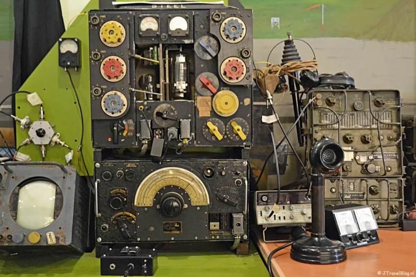 De radiokamer in het CRASH Luchtoorlog & Verzetsmuseum '40-'45 in Aalsmeerderbrug
