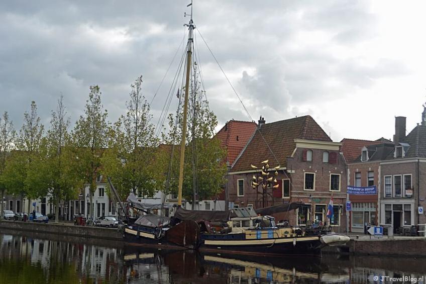 Vanaf de Herengracht in Weesp tijdens de 3e etappe van het Westerborkpad