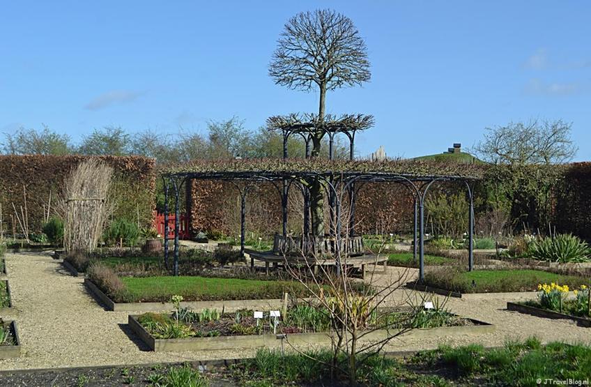 De tuin van het Muiderslot in Muiden