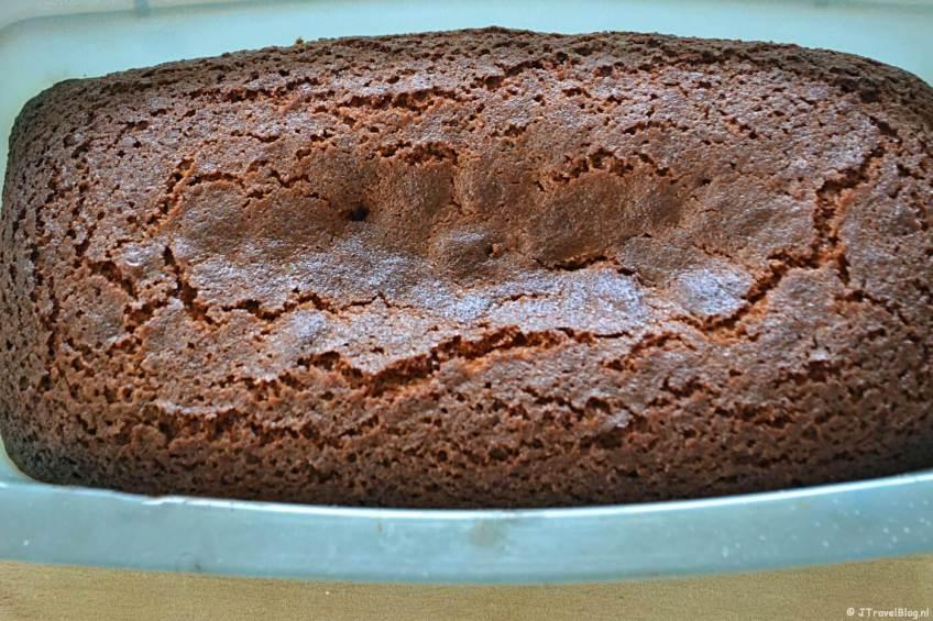 Mijn nog niet geglazuurde honingcake net uit de oven