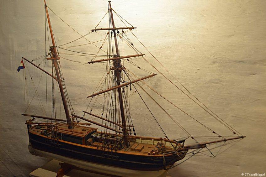 Een scheepsmodel in het Noordelijk Scheepvaartmuseum in Groningen.