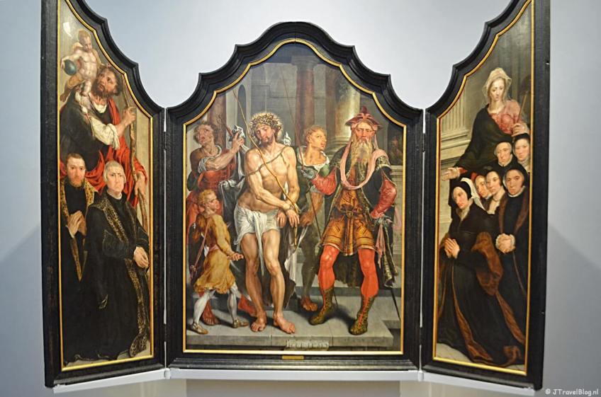 Het drieluik Ecce Homo-triptiek van Maarten van Heemskerck uit 1559-1560 in het Frans Hals Museum in Haarlem