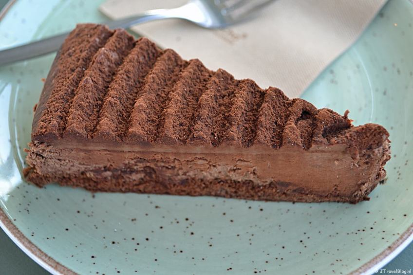 Chocoloade-truffeltaart in DeDAKKAS in Haarlem