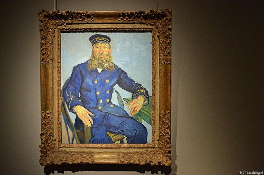 Het schilderij Postbode Joseph Roulin van Vincent van Gogh in het Frans Hals Museum in Haarlem