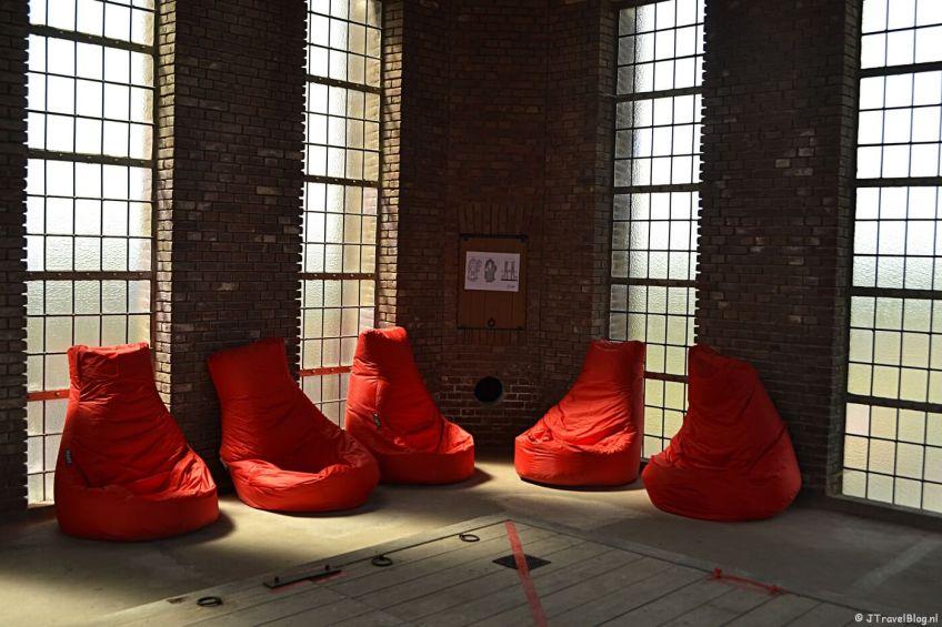 Even uitrusten in de lounge van de Vrouwentoren van de KoepelKathedraal in Haarlem