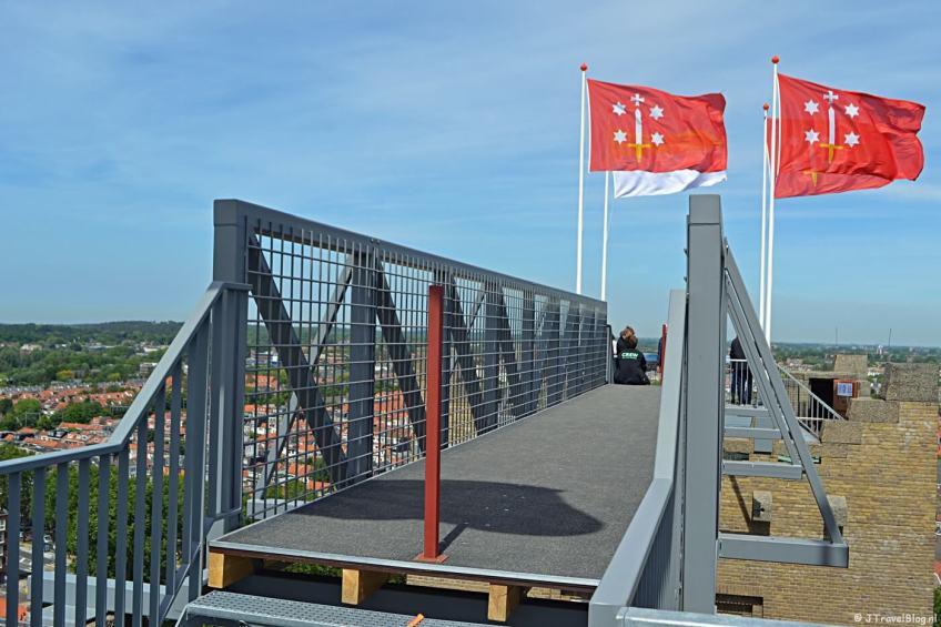 De loopbrug tussen de Vrouwentoren en de Mannentoren van de KoepelKathedraal in Haarlem